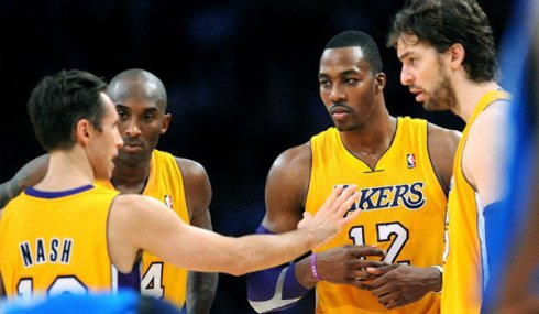 Lakers huddle nash gasol bryant howard