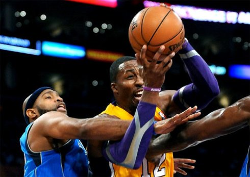lakers mavs howard carter